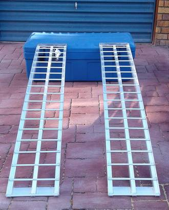 "612H USA Aluminium Ramps (Pair) Heavy Duty Arched. Total Capacity 900Kg. Each Ramp :1.83M (6Ft) Long X 300mm (12"") Wide"